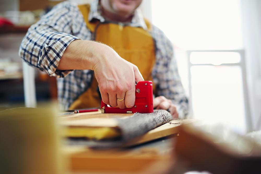 تعمیر مبل راحتی در مشهد | مبل دوز